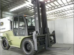 Un 8.0t Diesel Forklift with Original Isuzu Engine with Duplex 5.0m Mast pictures & photos