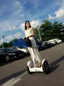 Smart 2 Wheels Balancing Electric Vehicle pictures & photos