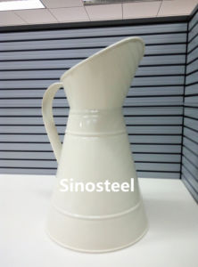 White Metal Flower Jugs with Handle pictures & photos