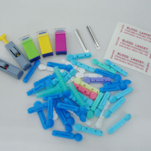 Ce Approved Medical Sterile Disposable Blood Lancet pictures & photos