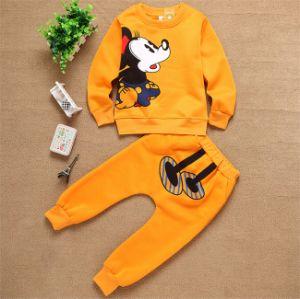 Ks66 2015 New Autumn Micky Cartoon Kids Set Children Tracksuit Kids Clothes Suit Unisex Round Neck Tops+Trousers for Wholesale pictures & photos