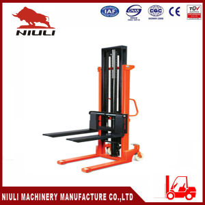 Niuli 2 Ton Manual Stacker with Double Mast Structure pictures & photos