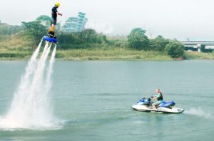 Powerful Water Jet Flyboard pictures & photos