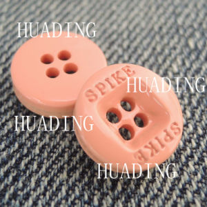4-Hole Fashion Round Sewing Button of Garment (HD1142-15) pictures & photos