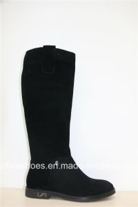 Fashion Designs Comfort Flat Leather Lady Boots pictures & photos