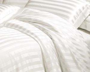 Taihu Snow Silk Simple Luxury Stripe Jacquard White High Quality 100%Mulberry Silk Bedding Set pictures & photos