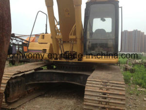 Caterpillar 330b Used Crawler Excavator-Backhoe Water-Cooling 2005/8000hrs Japan-Export 0.5~1.5cbm/30ton pictures & photos