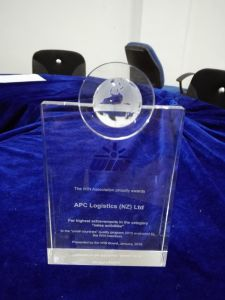 Customized Optical Crystal Award Crystal Trophy with Ball pictures & photos