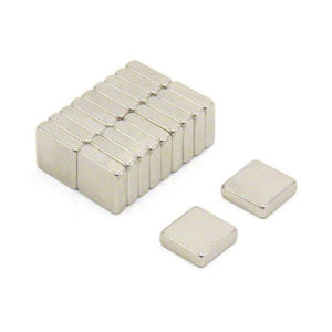 Small Cube Permanent Sintered Neodymium Magnet (n35) pictures & photos