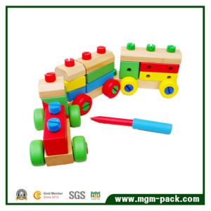 Wholesale Colorful Changeful Wooden Train with 3 Carriages pictures & photos
