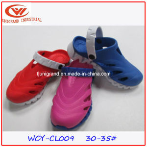 Fashion Children Garden Shoes EVA Clogs pictures & photos
