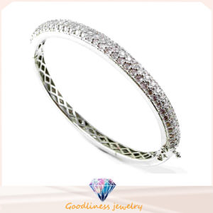 Lady′s Micro Pave CZ Fashion Silver Bangle (G41237) pictures & photos