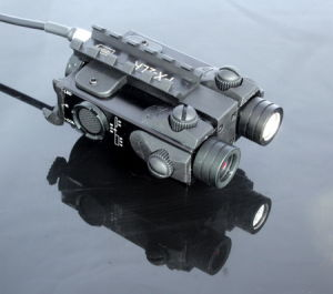 New Military Standard Tactical LED Light with Red Laser Sight Combo (FDA certified) pictures & photos