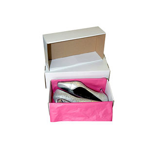 Shanghai Custom Corrugated Cloth Packaging Box with Handle pictures & photos