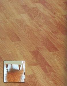 AC4 E1 HDF Woodgrain HDF Laminate Floor pictures & photos