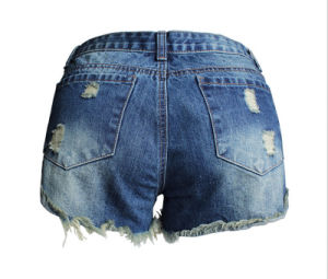 OEM Loose Ripped Light Blue European High Quality Lady′s Short Jeans pictures & photos