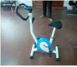 Upright Bike Magnetic Bike Electric Exercise Bicycles Aerobic Exercise Commercial Gym Equipment (uslz-03) pictures & photos