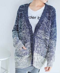 The Gradient Color Art Loose Knit Coat (BTQ020) pictures & photos