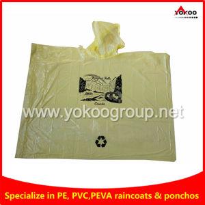 Yellow PE Disposable Rain Ponchos for Niagara Falls Tourists