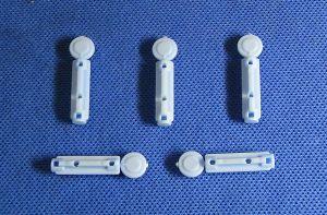 Disposable Plastiic Lancet /Bleeding Needle a-23 pictures & photos