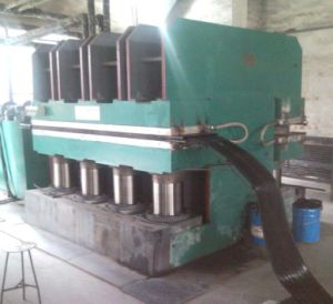Vulcanizer Press Automatic Plate Rubber Hydraulic Vulcanizing Machine pictures & photos