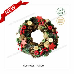 Dia. 40 Cm Dried Leaves PE Christmas Wreath for Indoor Decoration pictures & photos