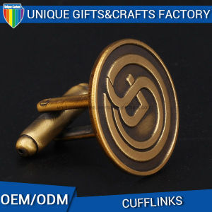 Factory Supply Promotional Metal Embossed Gold Plated Cufflink pictures & photos