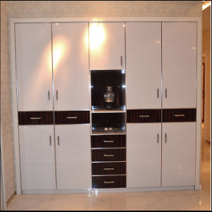 High Glossy UV White Colour Pantry Cabinet (FY1030) pictures & photos