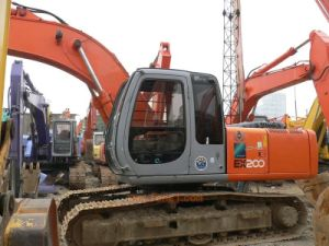 Used Crawler Excavator Hitachi Ex200-1 Excavator- Made in Japan pictures & photos
