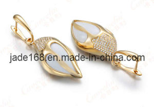 18k Yellow Gold Agate and Diamond Earrings (GDE-009)