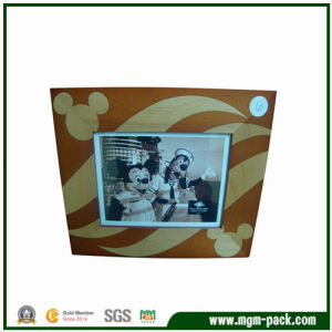 Top Sale Rectangle Wooden Picture Frame with Mickey Patterns pictures & photos