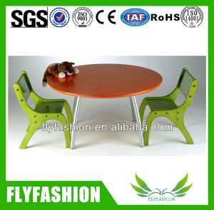 Wooden Popular Kids Study Table Chairs (KF-07) pictures & photos