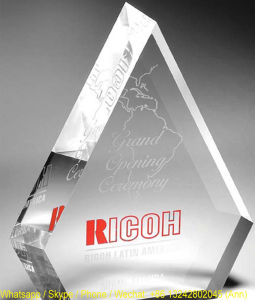 Customize Clear Trophy Polished Acrylic Souvenir pictures & photos