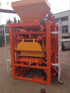 Semi-Automatic Concrete Solid Brick Making Machine (QTJ4-26) pictures & photos