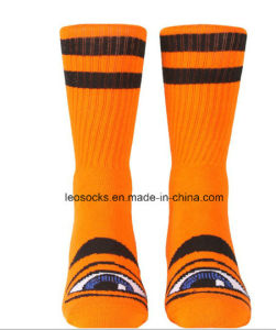 High Quality Anti-Slip Breathable Fashion Wholesale Soccer Socks pictures & photos