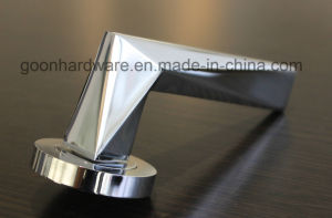 New Zinc Door Handle - R02.306 pictures & photos