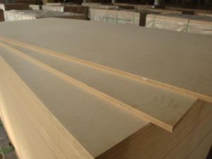 Factory-Plain MDF in 2.5mm 3mm 3.6mm 4mm 4.5mm 5.5mm 6mmx1220X2440 pictures & photos