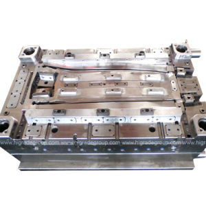 Injection Mould/Plastic Mould/Car Plastic Molding pictures & photos