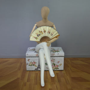 OEM Fiberglass Women Mannequin in Seated Posture pictures & photos