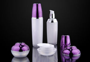 High Quality Pump Sprayer Acrylic Cosmetic Bottle (NST44) pictures & photos