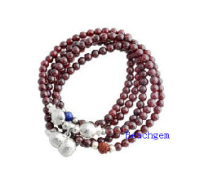 Natural Garnet Beads Bracelet with Silver Charm (BRG0028) pictures & photos