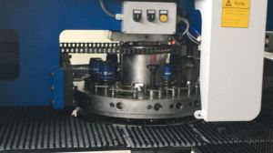 Euro-Asia Mechanical Turret Punching Machine pictures & photos