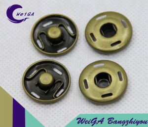Metal Fastener 4-Hole Button Copper Color pictures & photos