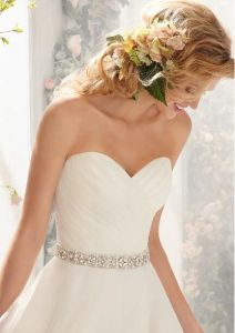 Ivory Belt Sweetheart Asymmetric Short Front Long Back Wedding Dress pictures & photos