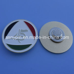 I Love UAE Shield Design Magnetic Lapel Pin with Embossed 45 Logo and Soft Enamel Flag for UAE National Day pictures & photos