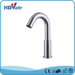 Geeo Goose-Neck Optical Fiber Sensor Bathroom Basin Water Faucet HD5205 pictures & photos