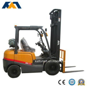 Tcm Style New Appearance LPG 3ton Forklift with Nissan Engine pictures & photos