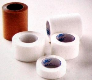 Ce/ISO Approved Medical Surgical Tape, (Paper tape) , Bulk Package (MT59385001) pictures & photos