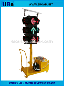 Solar Mobile Four-Sides Arrow Direction Red Green Color Traffic Light pictures & photos