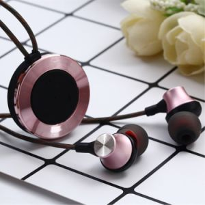 Bt30 in-Ear Noise Reduction Sweatproof Bluetooth Headset with Microphone pictures & photos